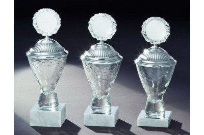 Elegante Glaspokale in 3 Größen