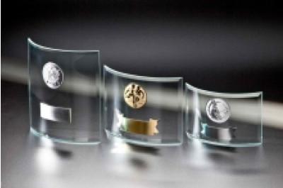 Wohlgeformte Glasständerserie
