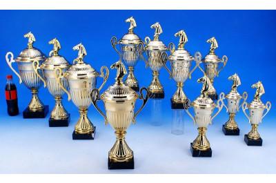 Pferdesport Pokale mit Henkel