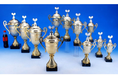 Tennis Pokale mit Henkel