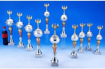 Sieger Pokale in gold-silber-rot