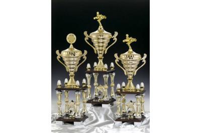 Große Säulenpokale in Gold-Silber