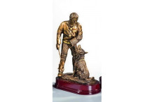 Hundesportfiguren in gold-antik