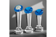 Glastrophäen Exklusiv auf Kristallsäulen und Glasdiamant blau