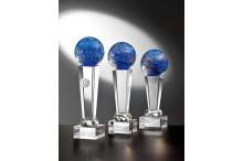 Noblesse Glas-Trophäen blau auf Kristallsäulen
