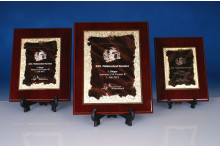 Ehrentafel mit Targa und Lasergravur Urkunde rot