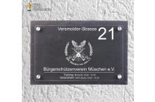 Vereinsheimschilder – Türschilder für Vereine  NOBLESSE-MODERN ART mit Namen, Sandwichbauweise ACRYLGLAS – NATURSCHIEFER und 4 Edelstahl Abstandshaltern.